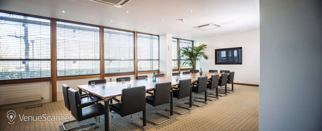 Hire Regus Heathrow Stockley Park The Square Meeting Room - Square conference room table