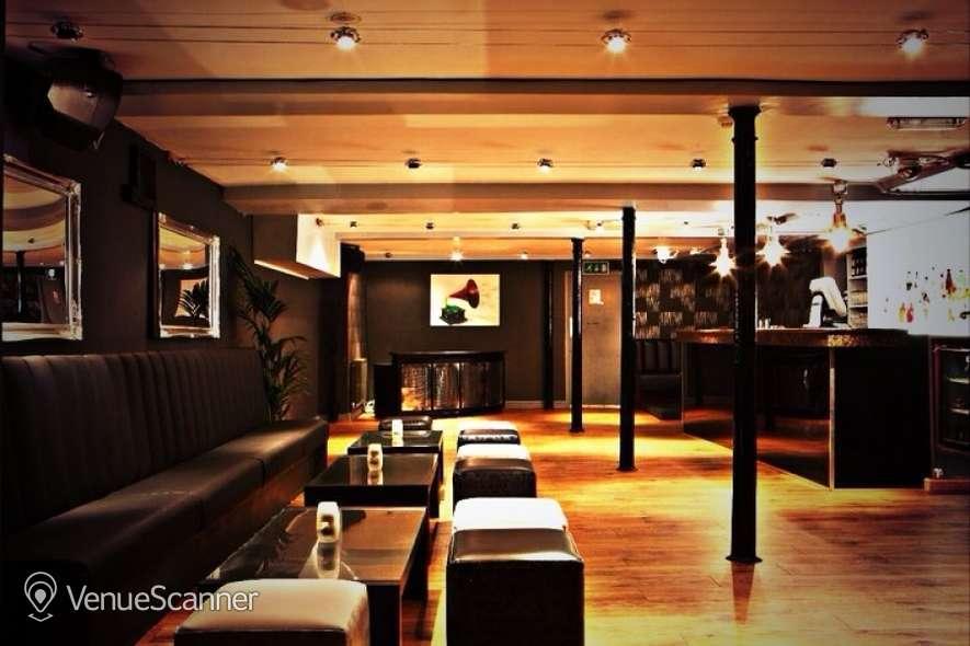 Hire Stirlings Bar Lounge Room Venuescanner