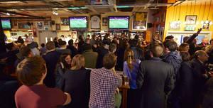 Sports Bar & Grill Victoria, Pub