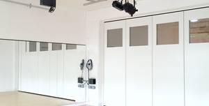 Studio b, Studio b - Front Room
