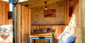 The Victoria, Small huts