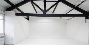 Studio 303, Studio 1