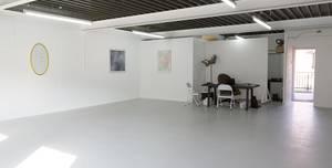 U9, The Showroom