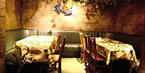 Rainforest Cafe, Left Hand Banquette