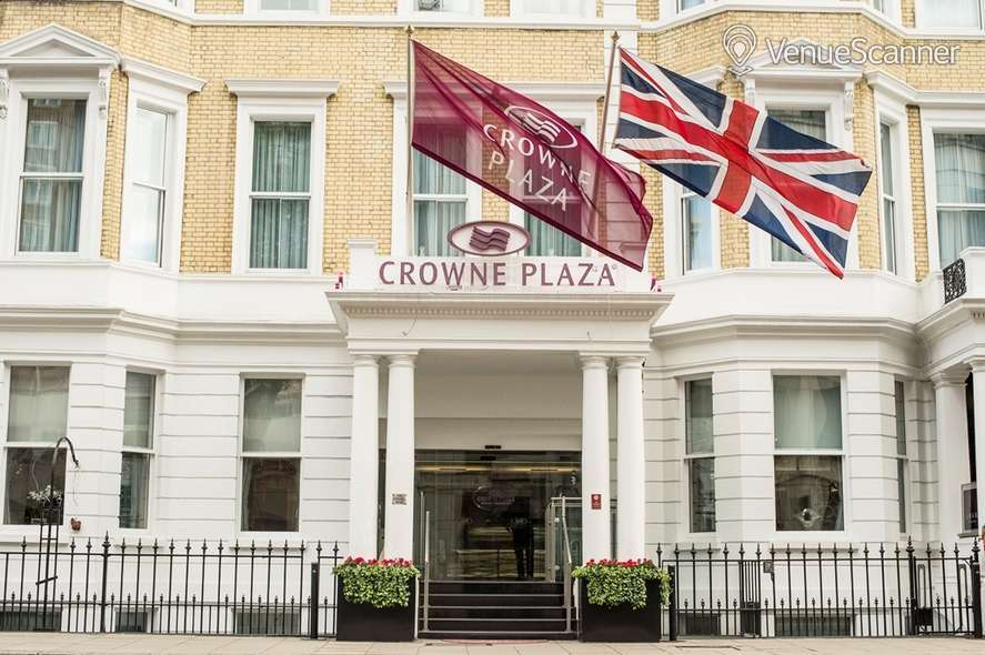 Hire Crowne Plaza London Kensington Cromwell 1 4