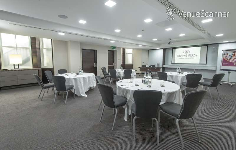 Hire Crowne Plaza London Kensington Cromwell 1