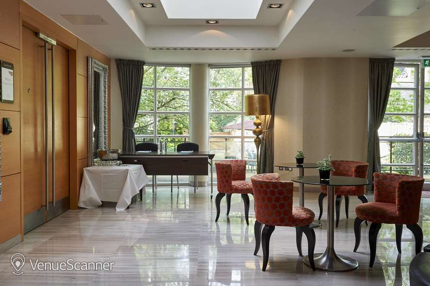 Hire Crowne Plaza London Kensington Executive Boardroom 1