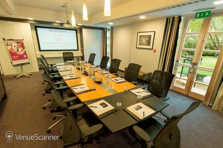 Hire Crowne Plaza London Kensington Executive Boardroom