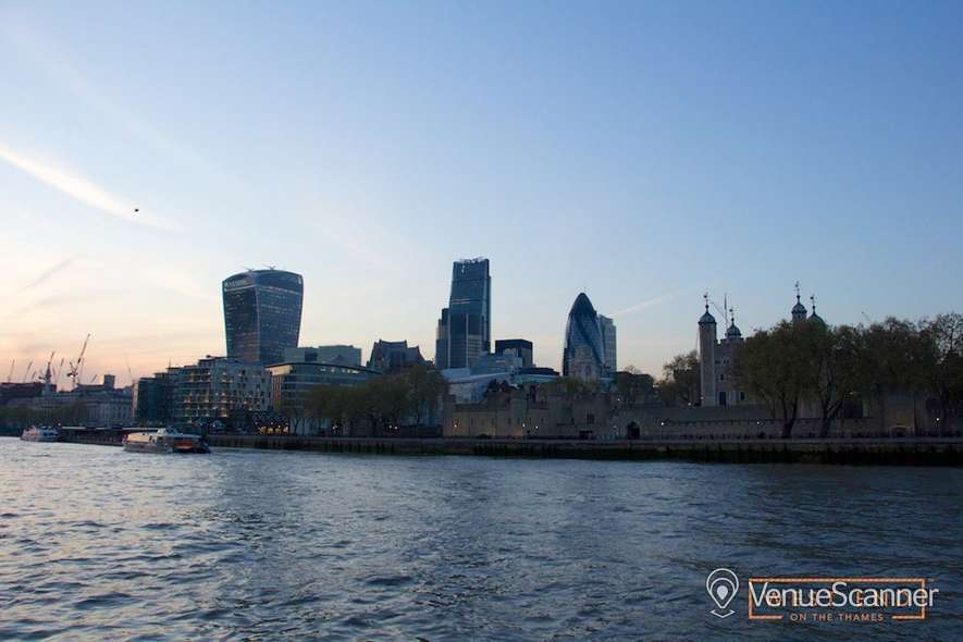 Hire West End on the Thames The Vessel 18