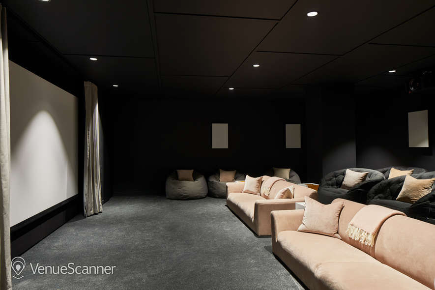 Hire The Collective Venues - Canary Wharf Big Screening Room 1