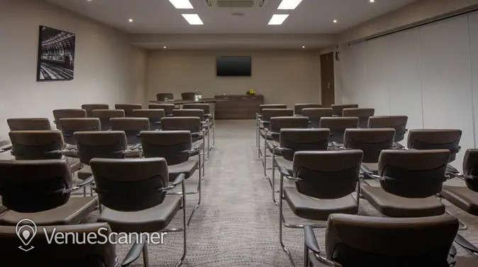 Hire Doubletree By Hilton Bristol City Centre Harbourside Suite