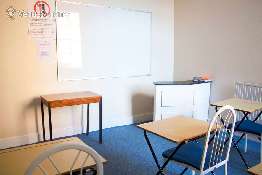 Hire My Meeting Space - North London College Meeting Room / Classroom 103 1