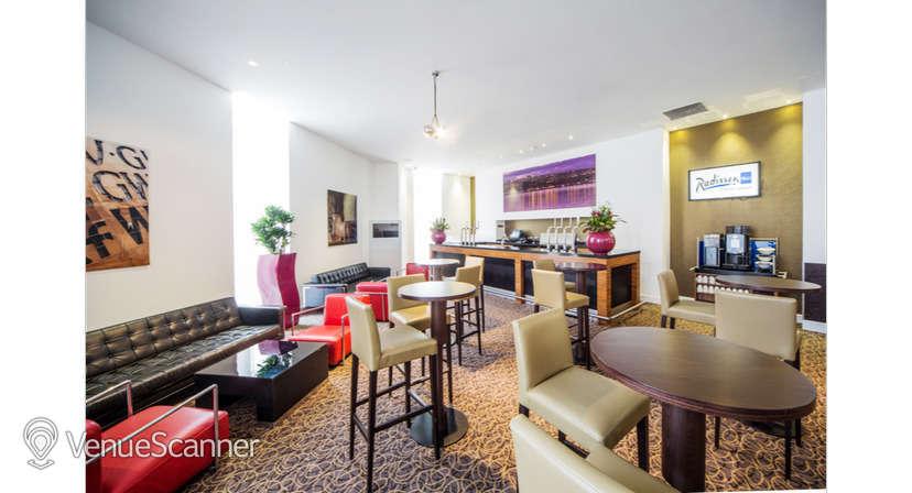Hire Radisson Blu Hotel, Cardiff Blanco Suite 4