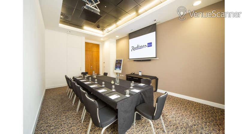 Hire Radisson Blu Hotel, Cardiff Blanco, Rosso & Verde Suite 5
