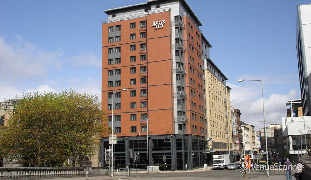 Hire Jurys Inn Glasgow Room 110 1