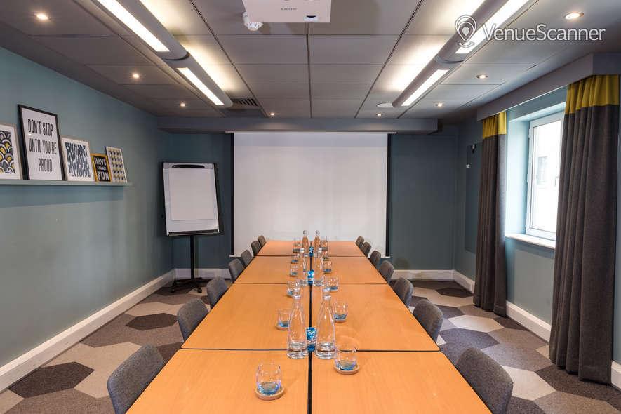 Hire Novotel London City South Blackfriars Suite
