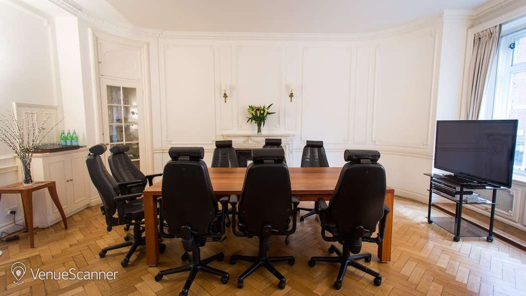 Hire Boutique Boardroom & Brainstorm Suite Boutique Boardroom 4