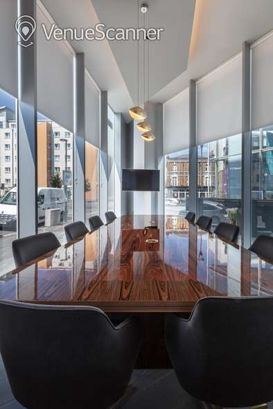 Hire Urbanist Architecture Luxury Meeting Room