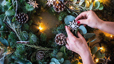 Columbia Creative Wreath Making Studio Wreath Making Only 0