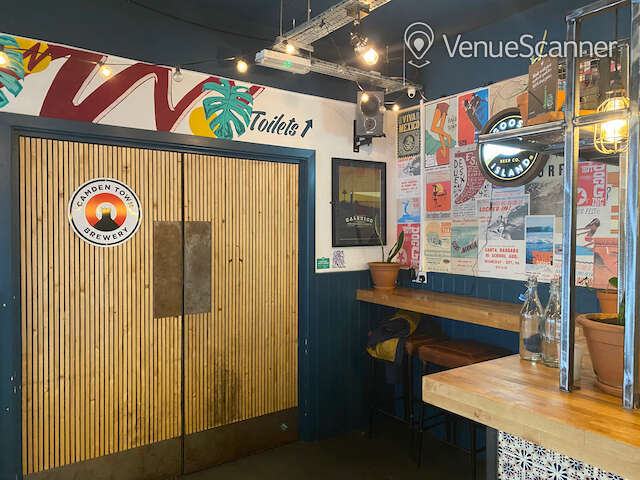 """Hire Quay Street Diner """"Wave Room"""" The Wave Room 14"""