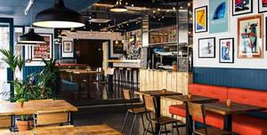 "Quay Street Diner ""Wave Room"", The Wave Room"