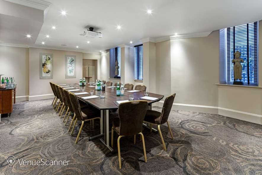 Hire Radisson Blu Edwardian, Kenilworth Private Suite 14