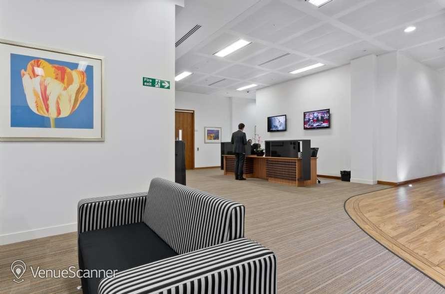 Hire I2 Office London Aldersgate Hampton 4