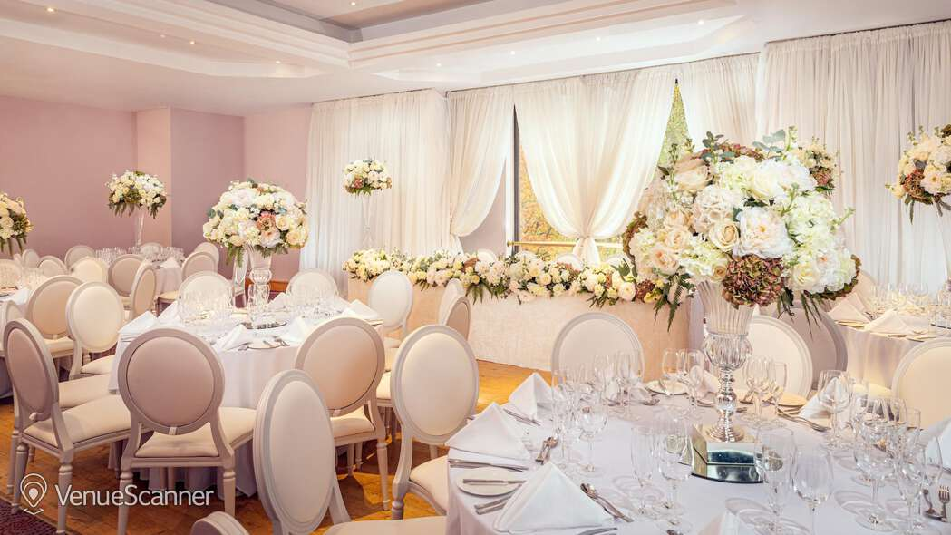 Hire Stormont Hotel Belfast Exclusive Hire - Wedding 3