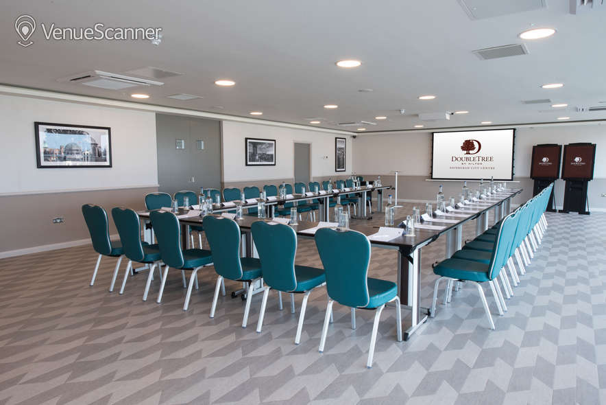 Hire Doubletree By Hilton Edinburgh City Centre The Penthouse / Skybar 19