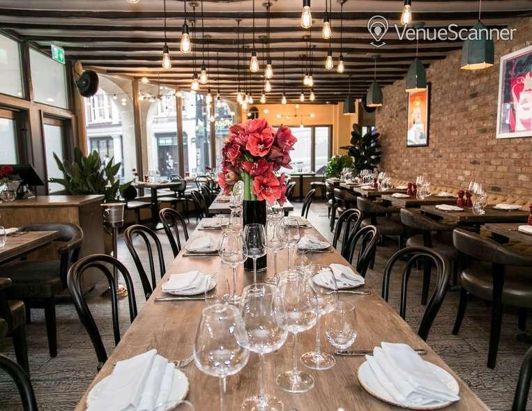 Hire Maddox Club & Pucci Mayfair Pucci Restaurant 3